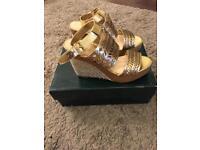 Ralph Lauren Georgina Sandals Size 5 Brand New
