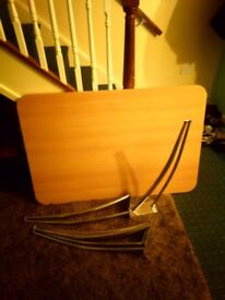 Dinning table (free)