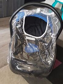 Car seat with rain cover
