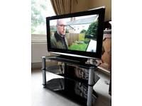 Panasonic 32 LCD tv & Stand