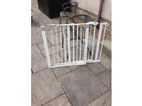 2 Lindam safety gates