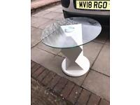 GORGEOUS WHITE HIGH GLOSS AND GLASS COFFEE TABLE, BRILLIANT CONDITION, 60cm diameter, 56cm high