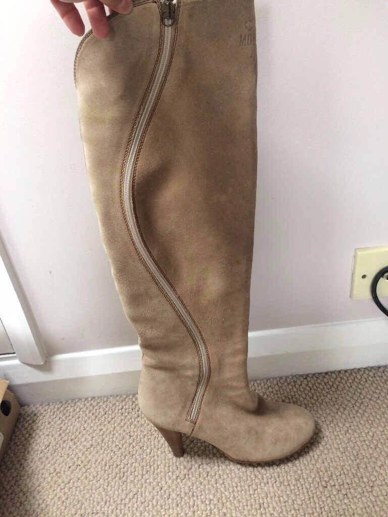 Moschino Sand Suede boots / UK size 6