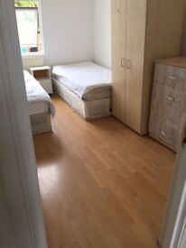 Single/Twin Room close to Hackney Central Station