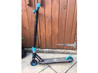 Stunt scooter