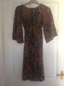 "Dorothy Perkins Women's Multi Paisley Print Dress. Size 6. Length - 33.5"""