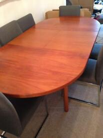 Fabulous teak extendable dining table & 6 chairs
