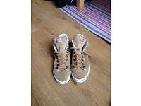 Adidas Originals sneakers size 5.5, excellent condition, BARGAIN