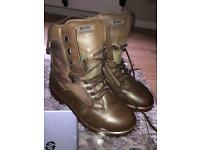 YDS BOOTS SIZE 7