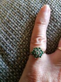 9ct gold diamond and emerald ring size i/j