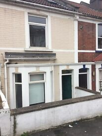 Housemate wanted in a large 2 bed house, Bedminster, 2 mins from North Street