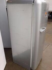 SMEG Fridge Freezer Gray 147 CM 5 F