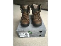 Women's Lowa Renegade GTX Mid Ws UK size 8 EU42 walking boots