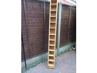 CD WALL UNIT FREE STANDING