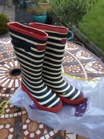 Joules wellies size 4