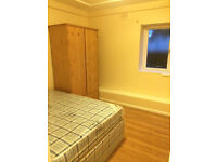 SHORT OR LONG TERM ... 4 ROOMS IN BRICK LANE RIGHT NOW!!
