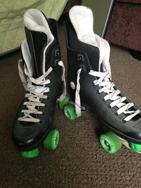 4 wheel roller boots size 8-9 adult