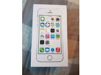 IPHONE 5S 16GB WHITE/SILVER UNLOCKED BOXED UK MODEL