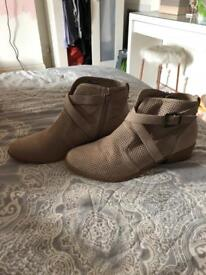 BRAND NEW just fab ankle boots - size 6.5
