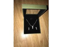 Ladies Harrods necklace and matching earrings
