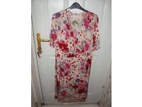 Pretty KIM & CO Floral design Tea Dress - Calf Length - Short sleeves size XL NEW with TAG