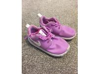 Toddler size 7.5 Nike trainers purple