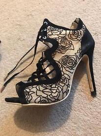 Ladies lace stilletos size 6