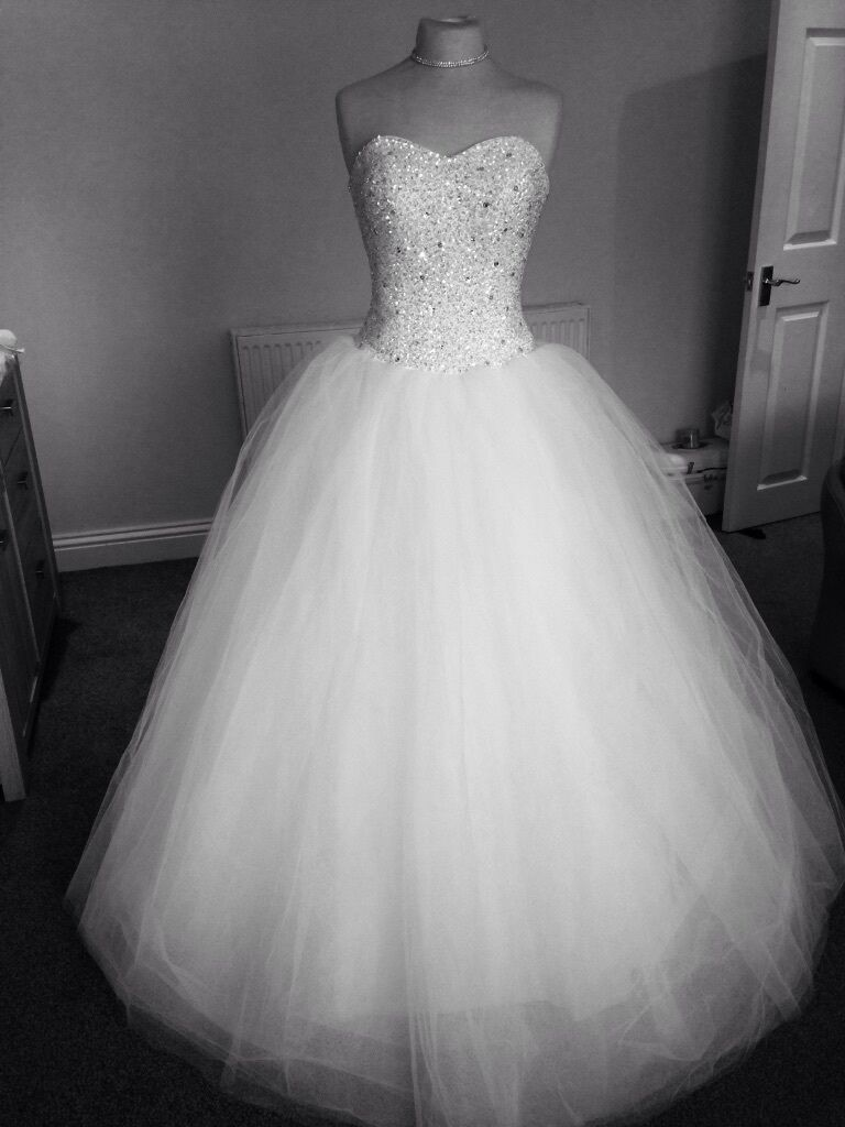 Brand new stunning sparkly tulle princess wedding dress for White sparkly wedding dress