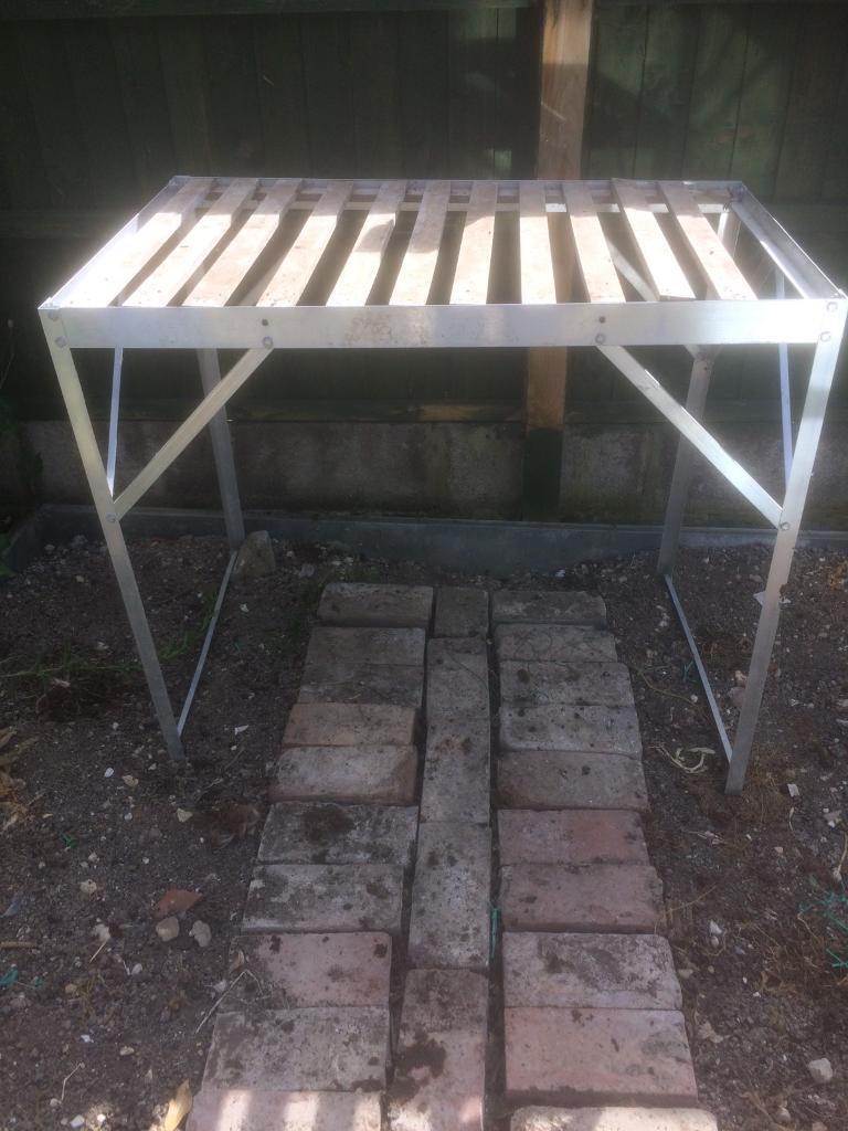 Aluminium greenhouse bench