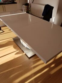 White High Gloss Extendable Table