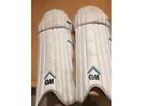 Cricket batting pads -size boys