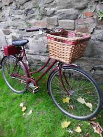 Vintage Raleigh 'Cameo' ladies bicycle/dutch bike