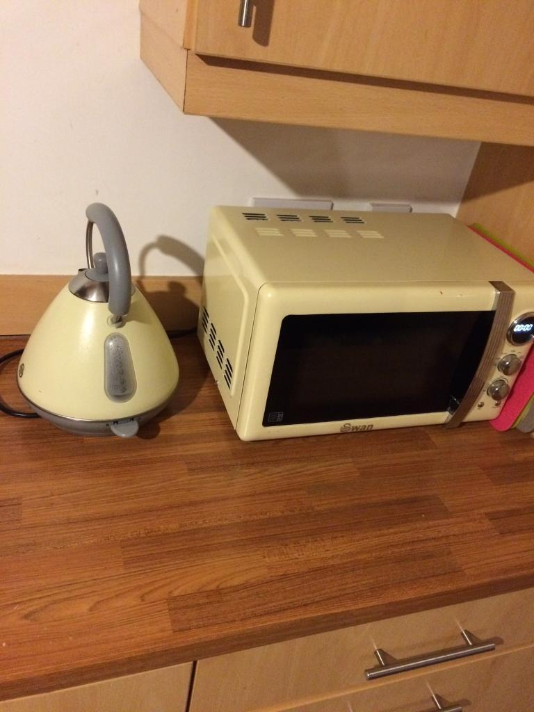 Microwave, kettle and toaster for sale