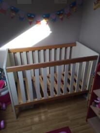Two tone cot
