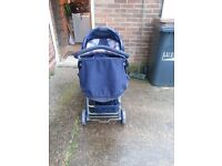 ××FREE×× Pushchair and baby seat with raincover!!