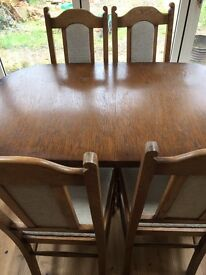 Oak Dining Table and 4 Chairs (Extendable table)