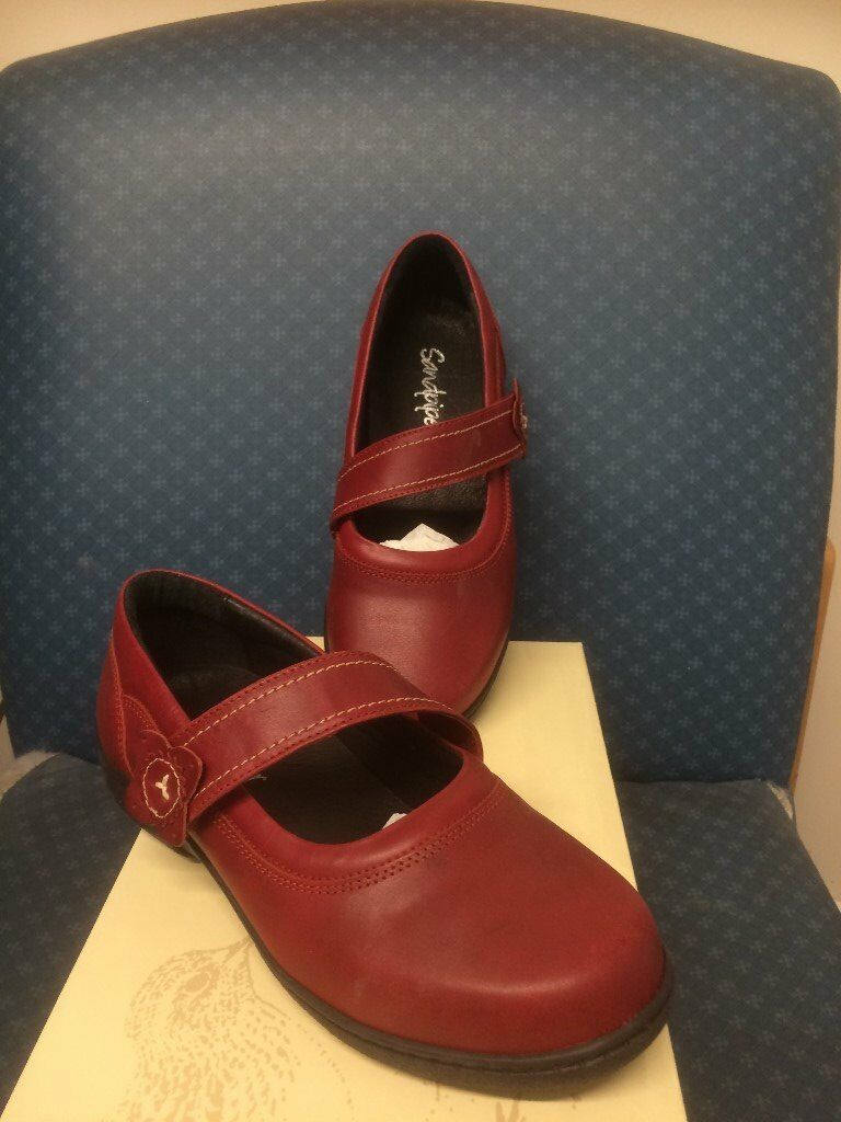 BRAND NEW SANDPIPER ADELE SHOES