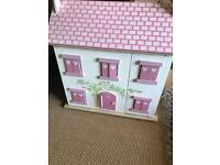 Perfect condition le toy dolls house with dolls and furniture