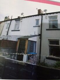 House to let on Holme lane off Tong Street