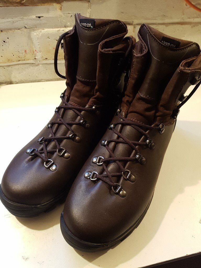 4e2b7b064b2 mens leather altberg walking boots size 11 | in Seacroft, West Yorkshire |  Gumtree
