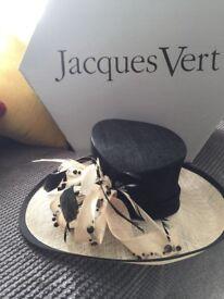 Beige/black jacques vert hat
