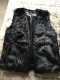 Oasis faux fur size small excellent condition