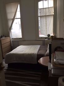Bright 3 double bedroom flat 2mins from Archway tube