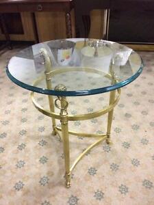 TABLES  A CAFÉ EN LAITION & VITRE -VINTAGE- BRASS & GLASS COFFEE TABLES