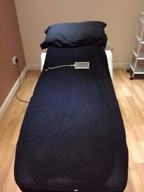 Electric Beauty bed/couch for sale with face hole ideal for massage beauty treatments