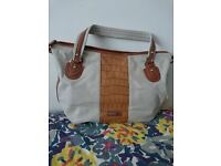 Handbag, Carpisa. Tote style Excellent condition.