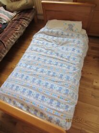 Mamas and Papas Hampton Cotbed / Toddler Bed plus all bedding etc