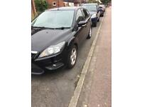 Ford Focus ztec £30 road tax for 1year and parrot Bluetooth