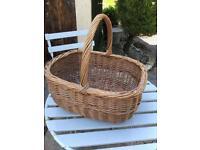 Vintage Wicker Shopping Basket / Picnic Basket