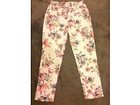 Floral summer trousers. NEW WITHOUT TAGS